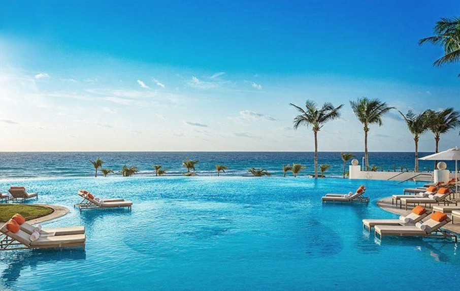 Romantic Vacations Place in Cancun